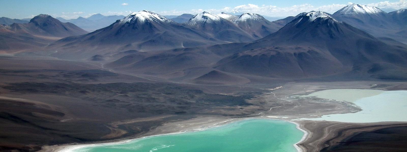 laguna verde depuis volcan Licancabur, sud lipez, bolivie