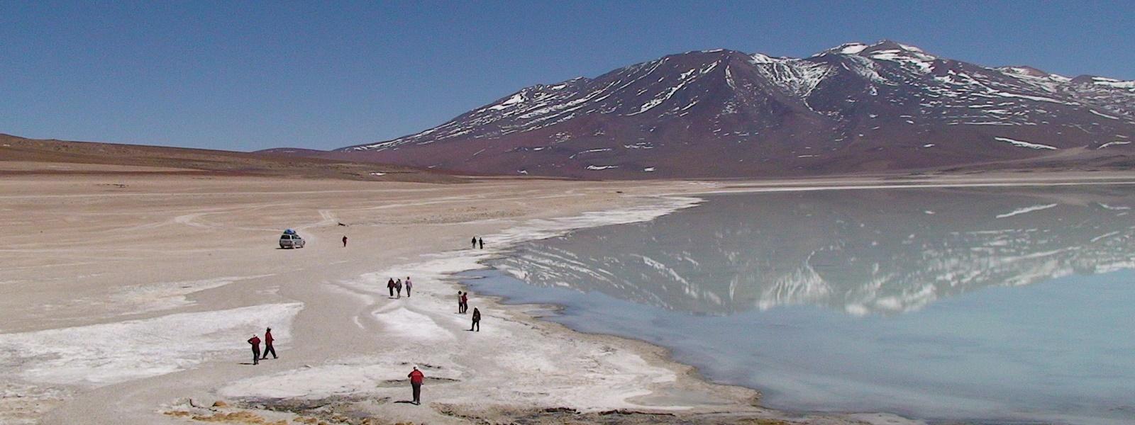 altiplano bolivien, groupe Surinmenso en balade