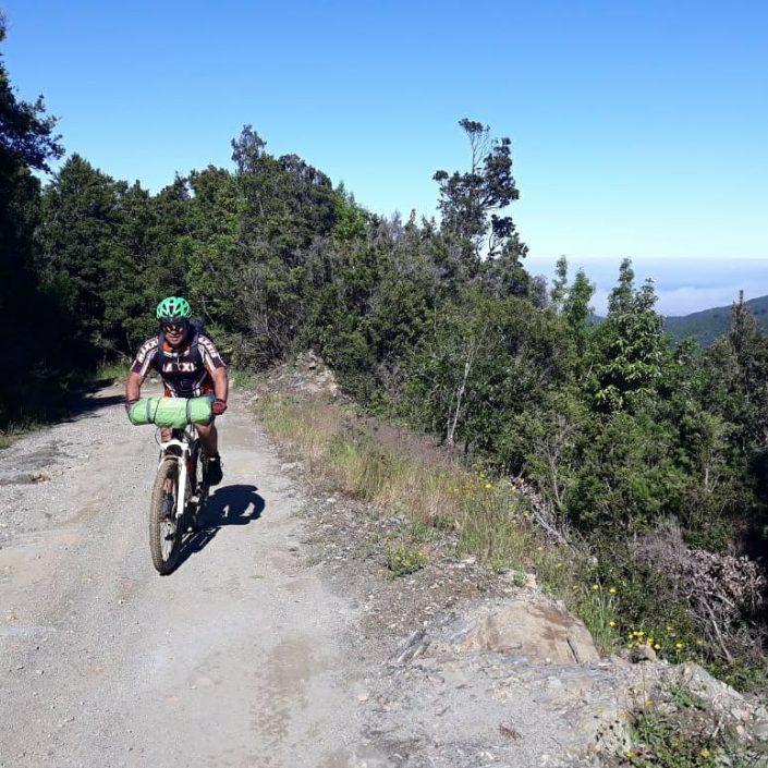 à vélo sur les pistes du Chili